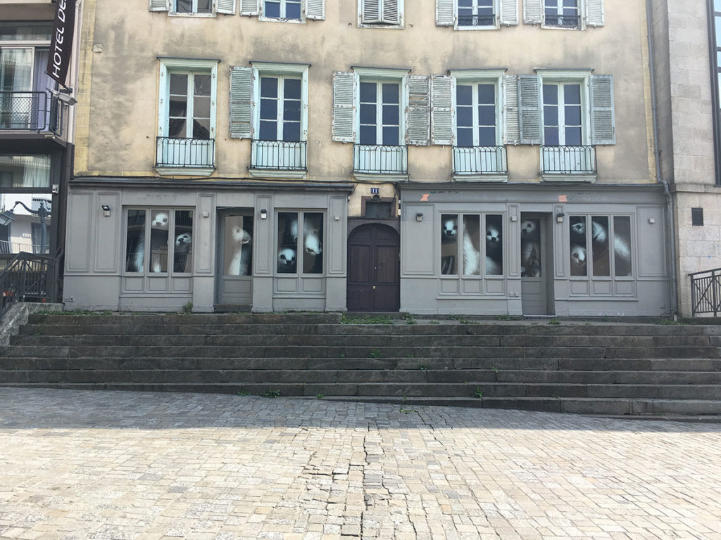 Les hermines de Bonne Kozh, place des Lices à Rennes
